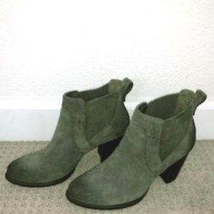 UGG Australia Cobie II Bootie Grey Suede Booties